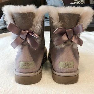 Ugg Mini Bailey Bow Genuine Sheepskin - size 10